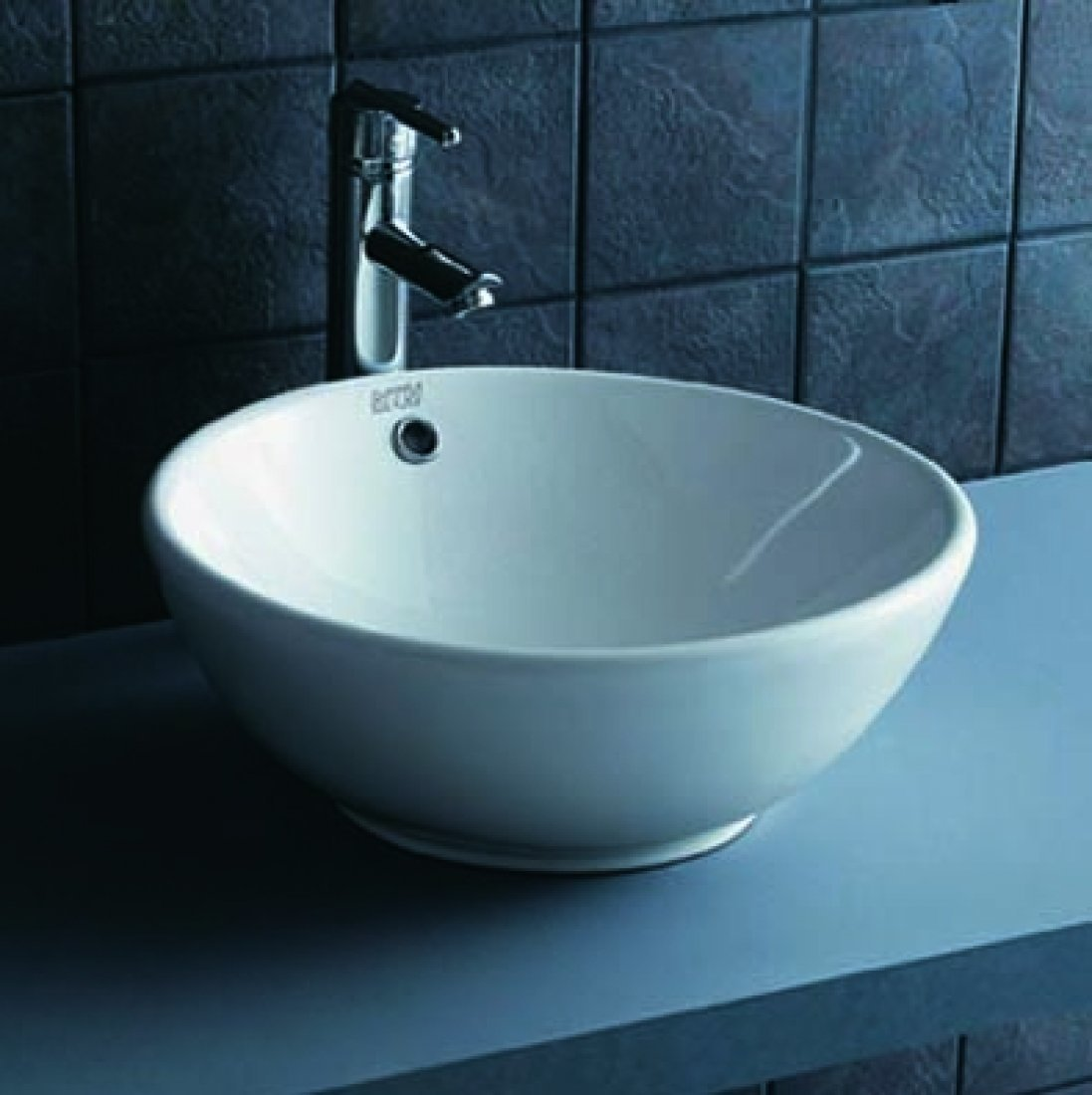 Maia vasque lavabo en porcelaine 17 39 39 x17 39 39 x6 5 39 39 en for Vasque ancienne en porcelaine